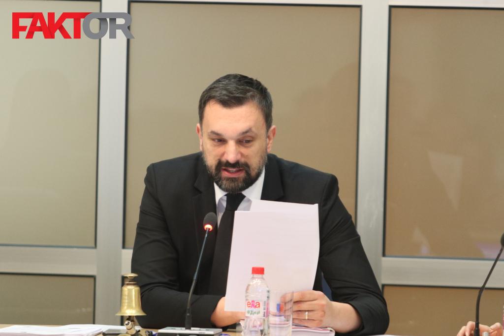 Rezultat slika za Usvojen program rada KCUS-a, Konaković kritikovao menadžment i Sebiju Izetbegović