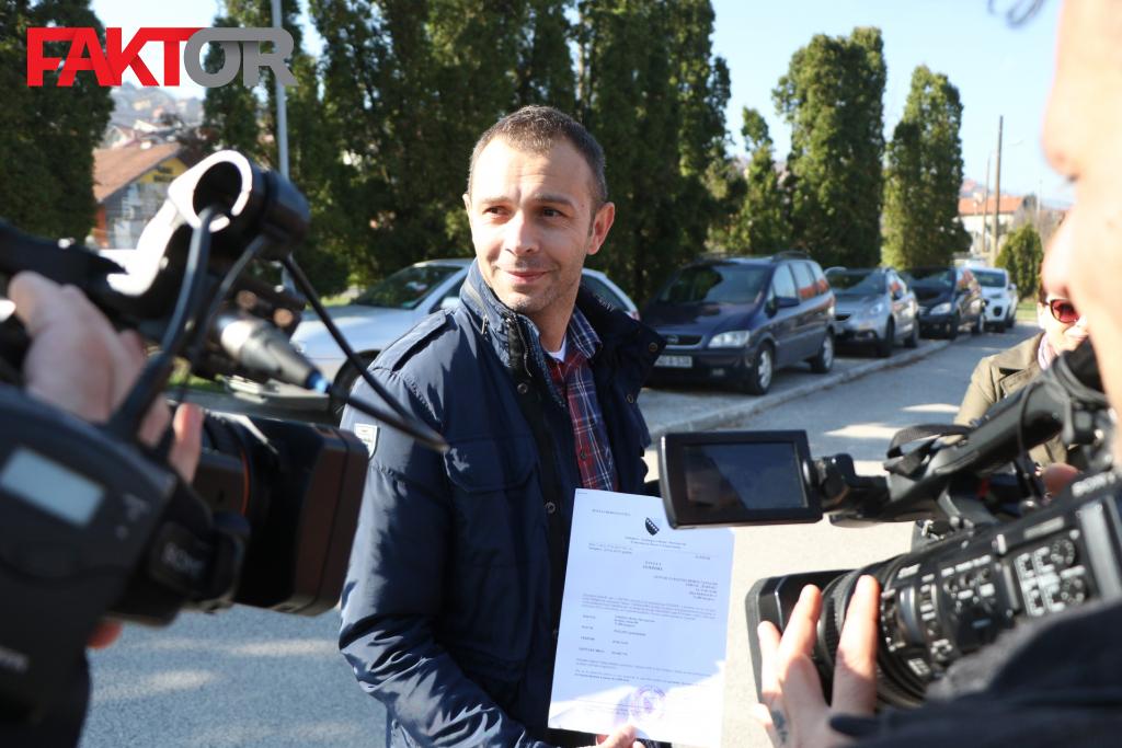 Novinar Avdo Avdić došao na saslušanje u Tužilaštvo BiH, policija dovela i H. Č.