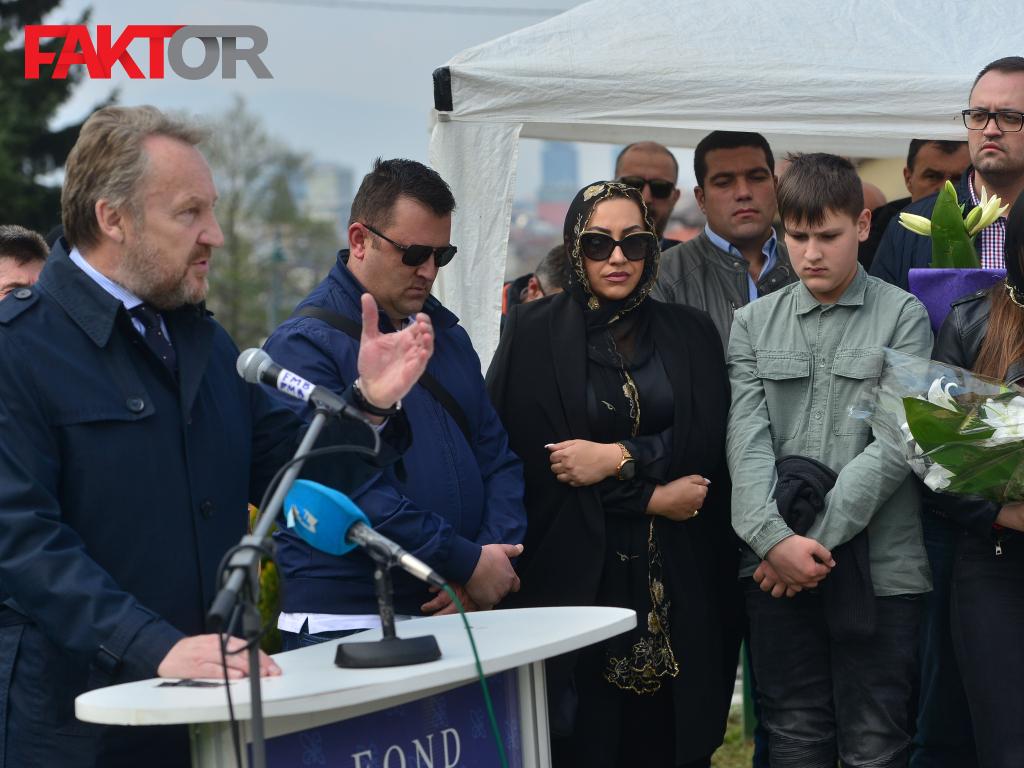 """Rezultat slika za Godišnjica smrti generala Rasima Delića: """"Zalagao se za bogatstvo različitosti u BiH"""""""