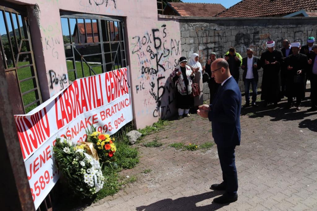 Salkić na obilježavanju godišnjice zločina u Bratuncu: Ovdje je postojala genocidna namjera