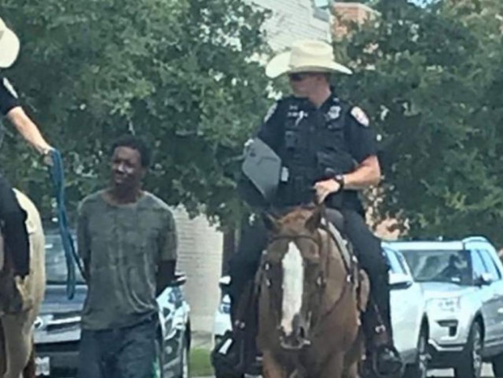Policajci na konjima vodili vezanog Afroamerikanca i razbjesnili javnost