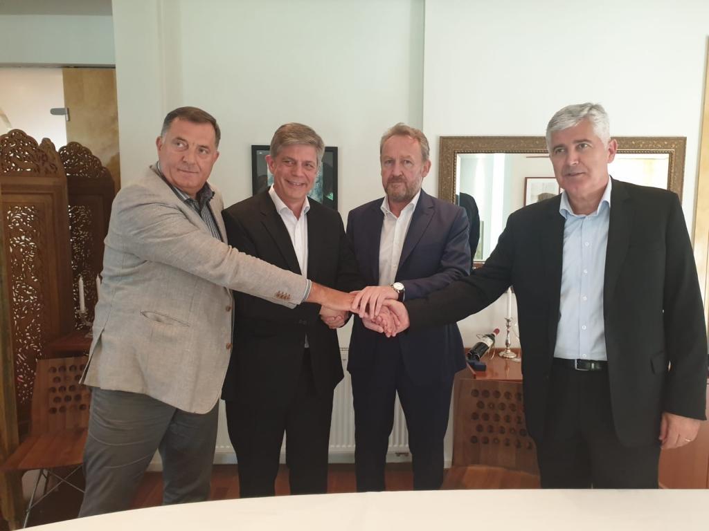 Lideri SDA, SNSD-a i HDZ-a potpisali: Nastavlja se NATO put, Vijeće ministara za 30 dana