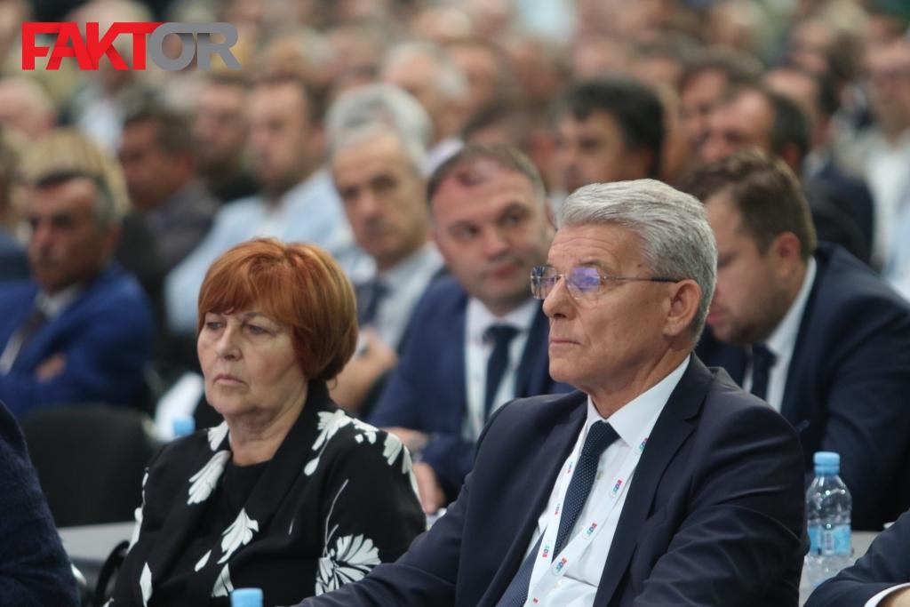 Džaferović za Faktor: Dodik vodi Republiku Srpsku u nestanak