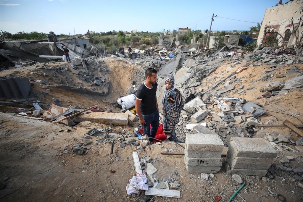 POTRESNE SLIKE IZ GAZE! Mladi bračni par u izraelskom napadu ostao bez doma u koji su uložili svu ušteđevinu!