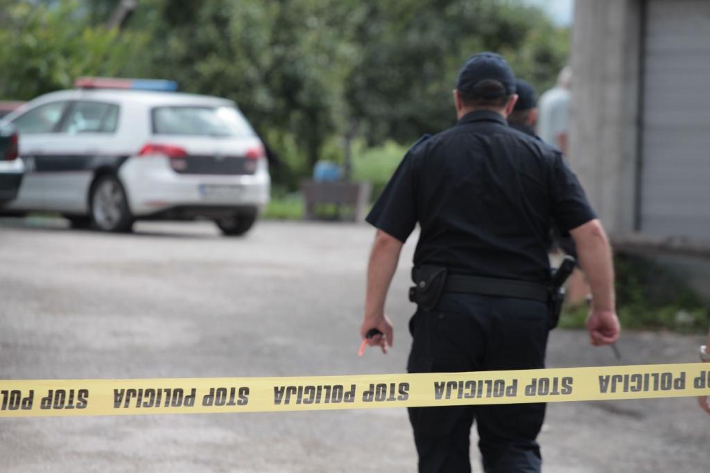 Drama u Novom Sarajevu: Nakon što mu je upao u kuću, punac zeta upucao u glavu
