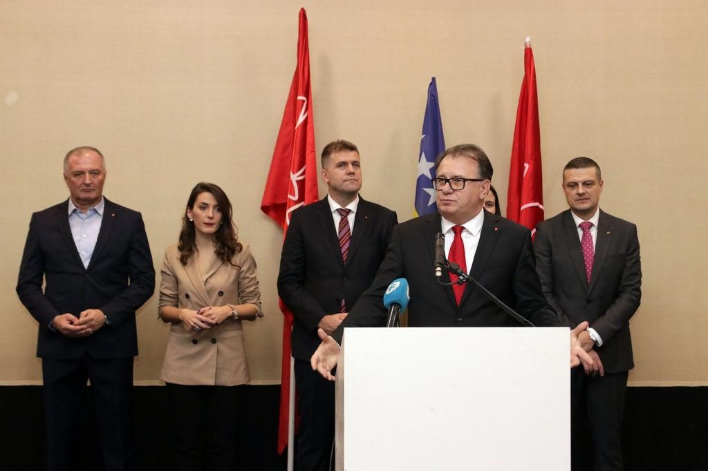 SDP: Isključili smo Begu Bektića iz stranke, svjesni smo da ćemo teško saprati ljagu