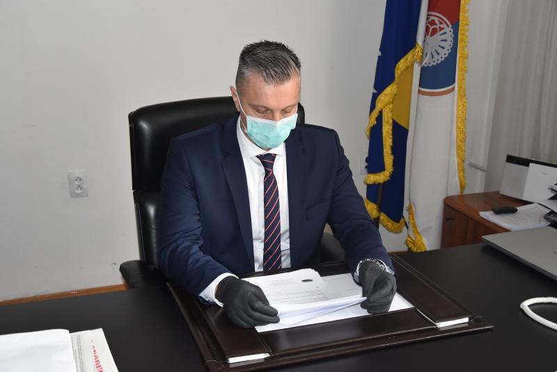 Faktor | Kanton Sarajevo: Mirza Čelik zaražen koronavirusom, svi zastupnici  idu u samoizolaciju?