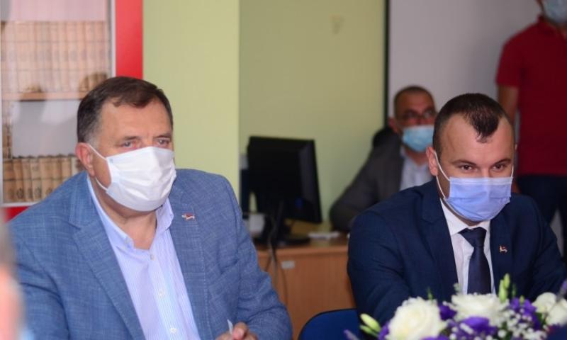 Šarović popustio Dodiku: Grujičić zajednički kandidat za načelnika Srebrenice