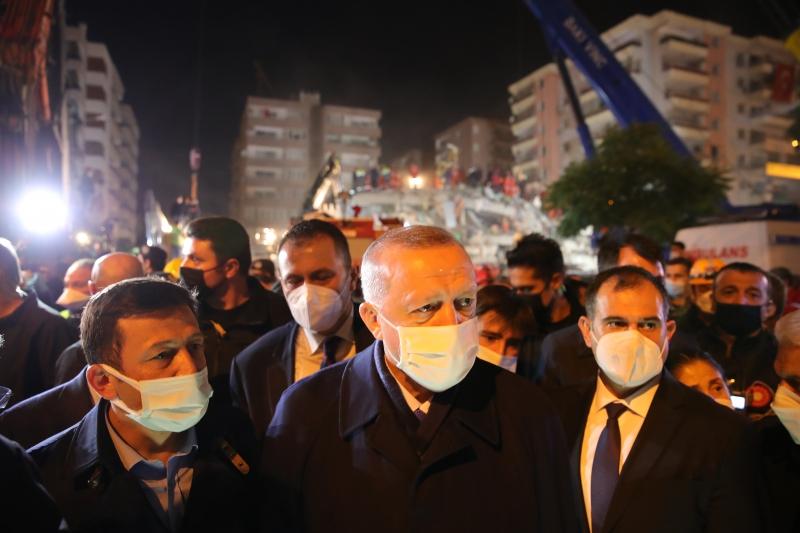 BROJ POGINULIH POVEĆAN NA 37! Erdogan posjetio područje pogođeno zemljotresom: Ispod ruševina spašene 103 osobe!