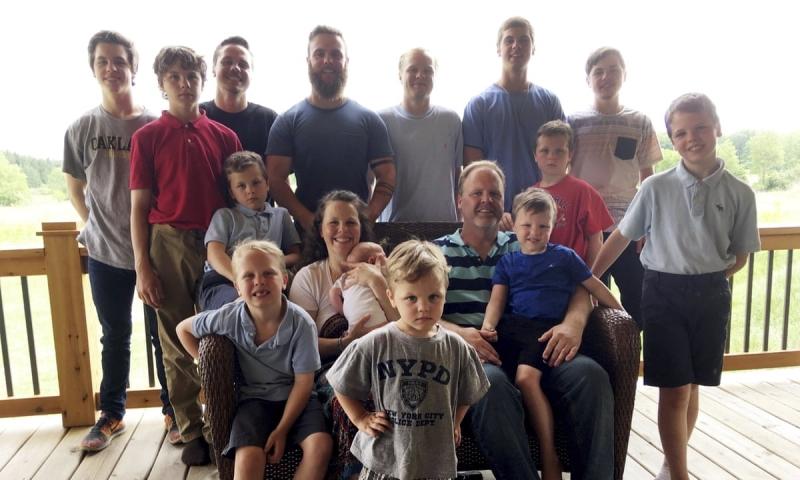 Čekali su je godinama: Par koji je imao 14 sinova napokon dobio kćerku