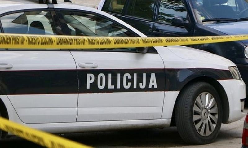 Mladić u Tuzli nožem izbo stariju komšinicu pa se prijavio policiji