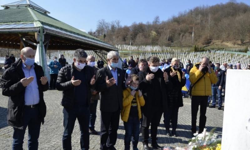 Dan nezavisnosti obilježen u Memorijalnom centru Potočari: BiH živi i živjet će duže od svih nas