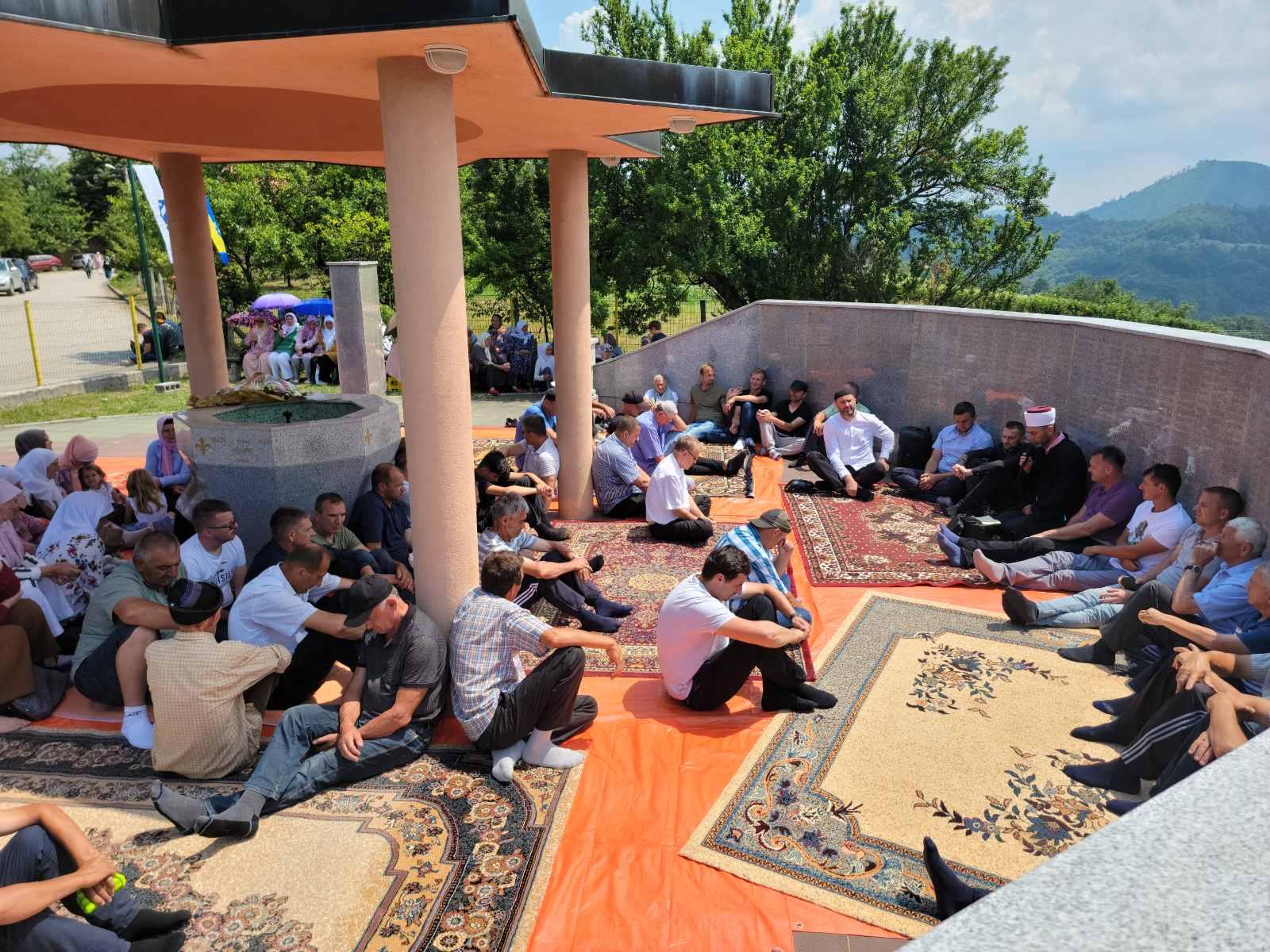 Srebrenica: Proučena šehidska dova na centralnom spomen-obilježju u Sućesci