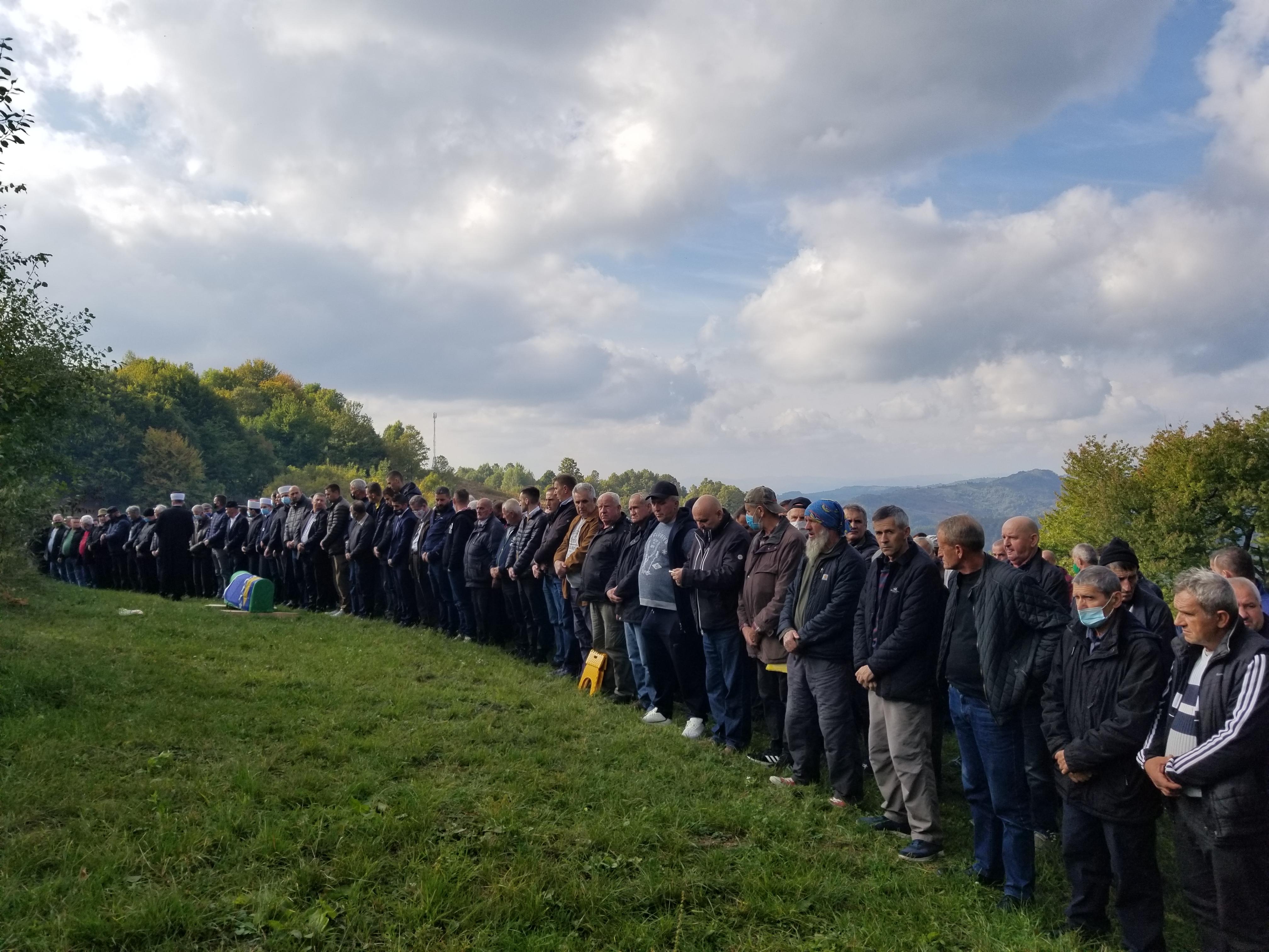 Srebrenica: Stotine građana klanjalo dženazu Zulfi Salihoviću